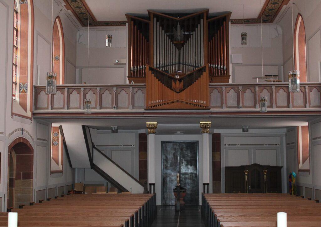 02-Kircheninneres-3-pdf-1024x724