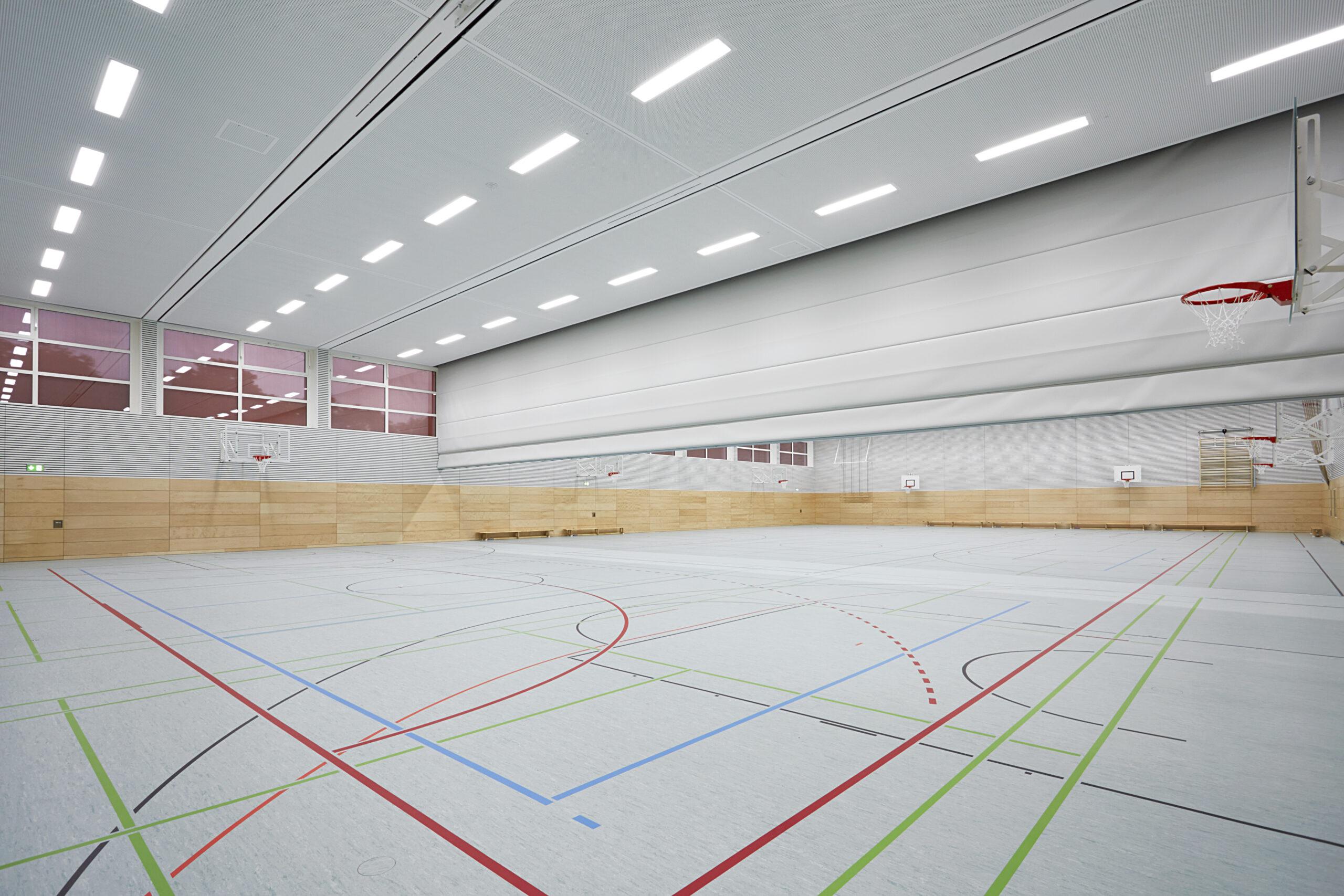 03 Sporthalle