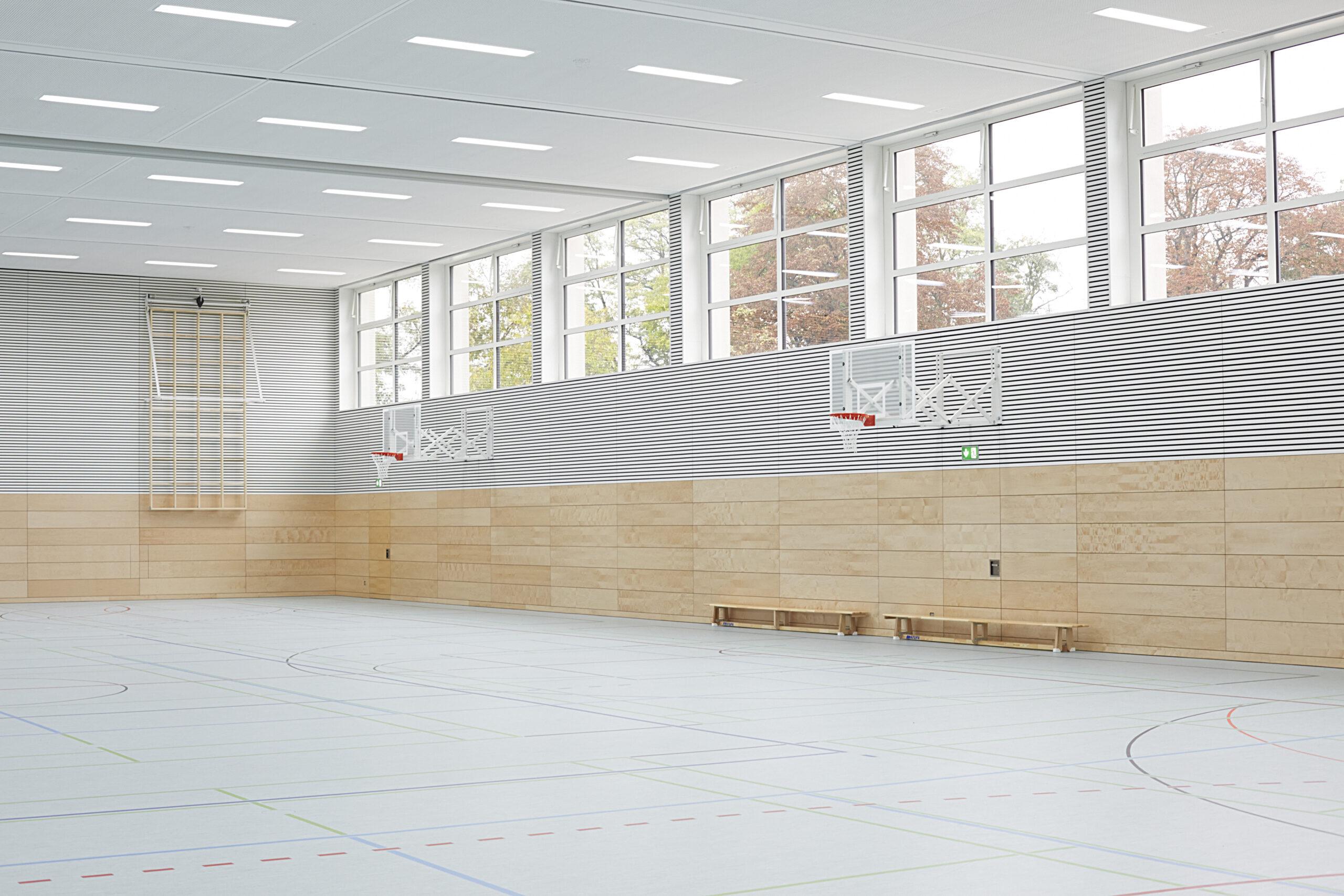 05 Sporthalle