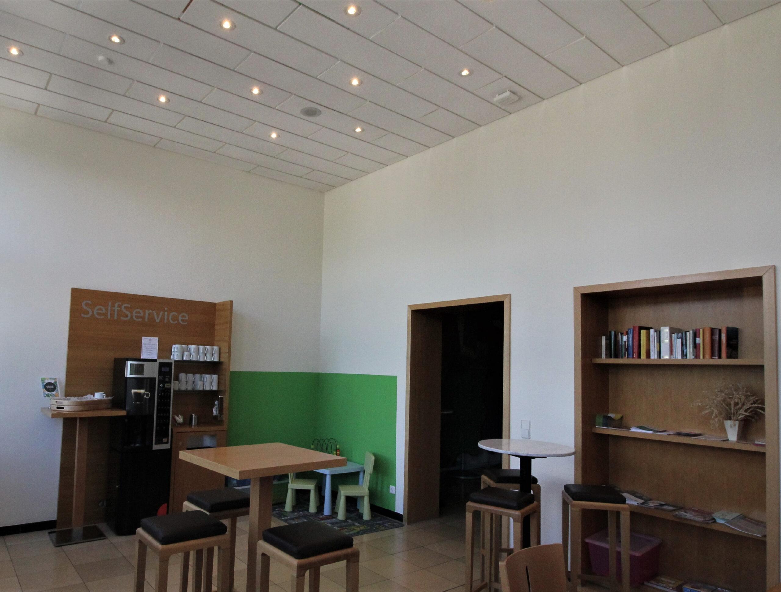 06a Cafeteria
